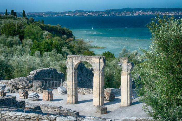 L'area archeologica delle Grotte di Catullo a Sirmione   Brescia a Tavola