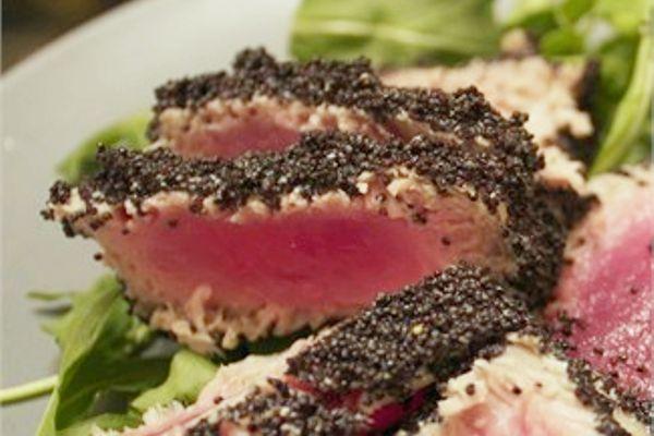 Scaloppa di tonno in semi di papavero | Il Lorenzaccio - Brescia