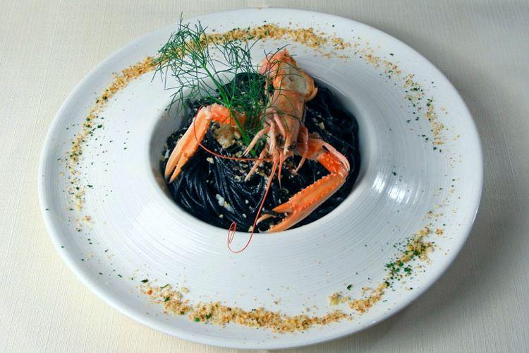 Spaghetti neri agli scampi | L'Arcimboldo - Sirmione