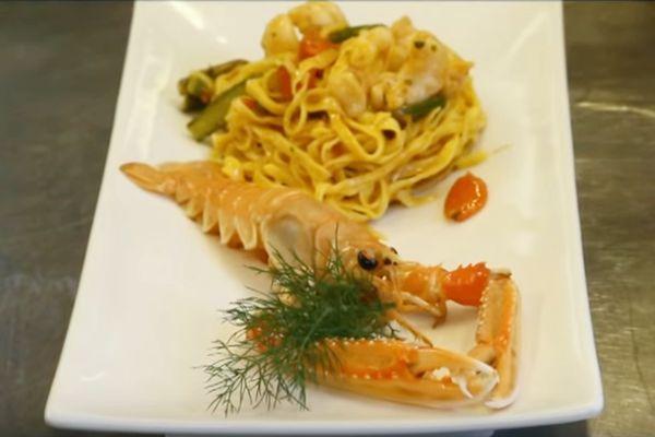 Tagliolini freschi con scampi e pomodorini | Hostaria Uva Rava - Monticelli Brusati