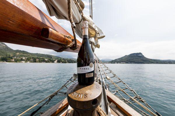 Wine Experience - degustare i vini Garda DOC in veliero