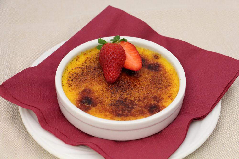 Crème brulée con cioccolato bianco e lamponi - Ristorante Nuovo Nando - Brescia