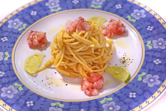 Spaghettoni alla carbonara con gamberi e lime - Stella d'Italia