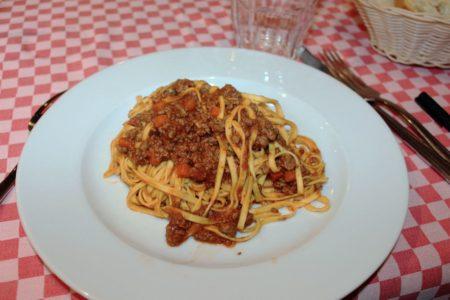 Tagliatelle al ragù - Trattoria Mezzeria - Brescia centro