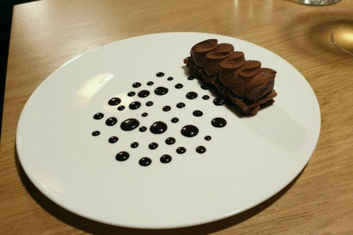 Cioccolato dolce amaro con sfogliata al latte - Ristorante Aroma - Brescia