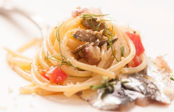 Pasta con le sardine essiccate del Lago d'Iseo