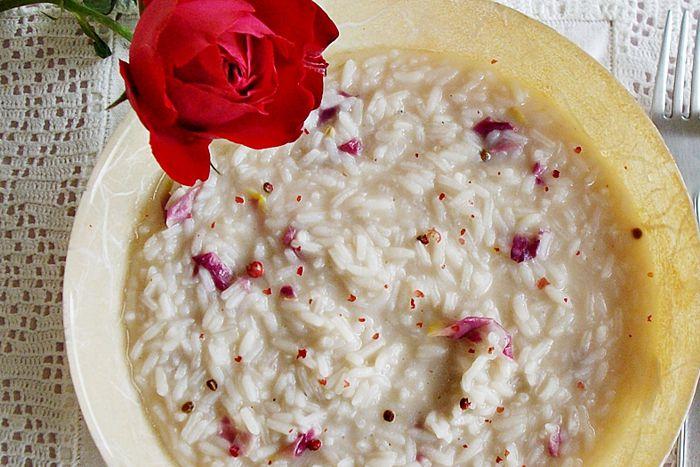 Risotto alle rose e ribes rossi - da Due amiche in cucina